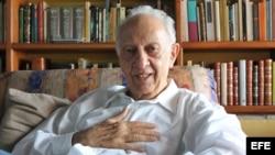 El escritor mexicano Sergio Pitol, Premio Cervantes 2005, murió este jueves 12 de abril de 2018 a los 85 años. EFE/ Luis Ayala/Archivo.