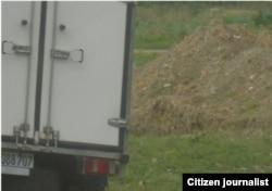 Reporta Cuba. Carro estatal lleva al vertedero alimentos vencidos.