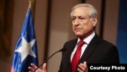 El canciller chileno, Heraldo Muñoz, encabeza una delegación comercial a La Habana