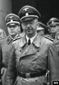 Heinrich Himmler, jefe de las SS, creó los campos de exterminio nazis