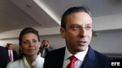 El gobernador de Puerto Rico, Alejandro García Padilla, y su esposa Wilma Pastrana.