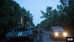 Tropas ucranianas en el poblado de Ilovask, cerca de Donetsk.