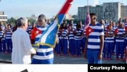Nuevo uniforme de atletas cubanos a Río de Janeiro produce risas en las redes.
