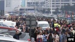 Confirman al menos 21 muertos y 35 heridos en los atentados de Bruselas.