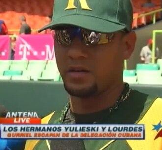 Los hermanos Gourriel escapan de la delegación cubana en la Serie del Caribe.
