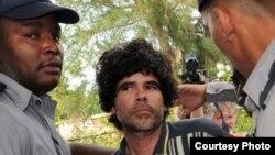 Gorki Águila habla de su arresto, reportaje de Dámaso Rodríguez