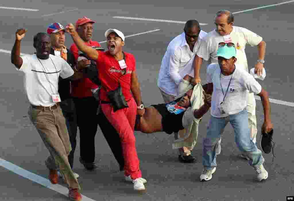 """Cuba celebra el Primero de Mayo con llamado a la """"unidad"""" y apoyo a Venezuela"""