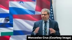 Luis Fleischman en el Instituto Interamericano para la Democracia.