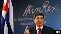 El canciller cubano, Bruno Rodríguez, presentó hoy en La Habana (Cuba), el informe Necesidad de poner fin al bloqueo económico, comercial y financiero impuesto por los EEUU contra Cuba.