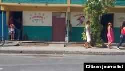 Reporta Cuba tienda estatal en Santiago de Cuba / Foto Ridel Brea.