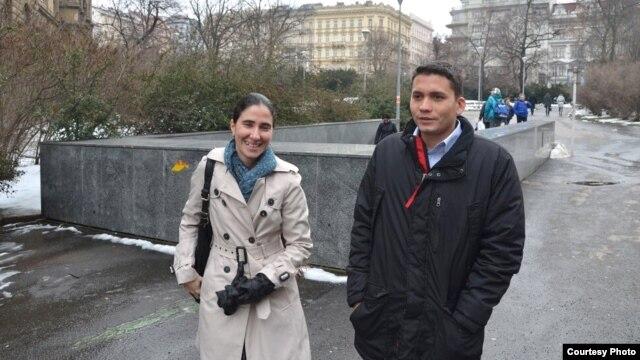 Yoani Sánchez y Eliécer Ávila se encuentran en Praga