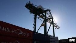 Terminal de contenedores del puerto del Mariel, inaugurada el 27 de enero por la presidenta de Brasil Dilma Rousseff y por Raúl Castro.