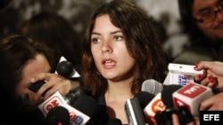 Camila Vallejo hace declaraciones a la prensa cuando era presidenta de la Federación de Estudiantes de la Universidad de Chile.