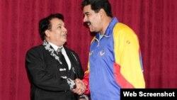 Juan Gabriel y Nicolás Maduro se reúnen en Miraflores