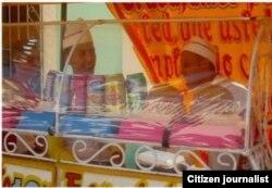Reporta Cuba. Vendedores de comestibles en las Parrandas de Remedios. Foto: Dianni Hernández.