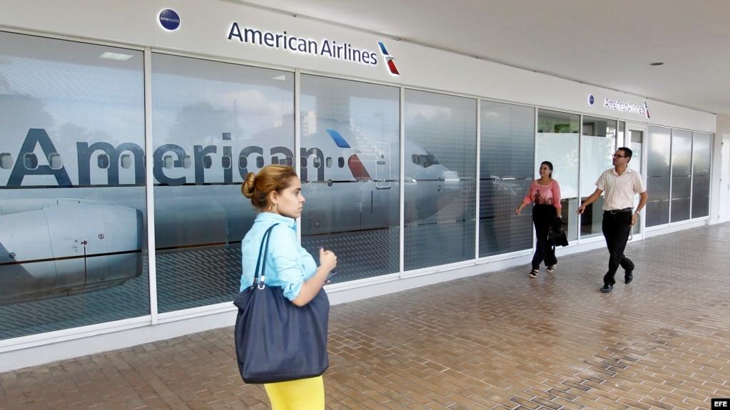 Fotografía de una oficina de la aerolínea American Airlines en La Habana.