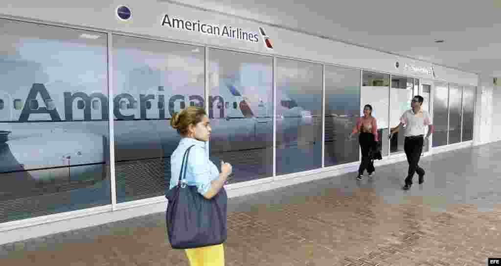 Fotografía de una oficina de la aerolínea American Airlines hoy, viernes 11 de noviembre de 2016, en La Habana (Cuba).