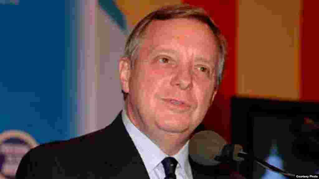 Senador D. Durbin por Illinois