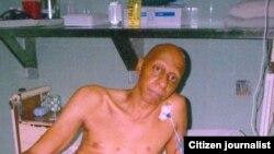 Guillermo Fariñas en el hospital de Santa Clara durante su huelga de hambre del 2006.