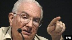 Foto de archivo del ex ministro de Economía cubano José Luis Rodríguez.