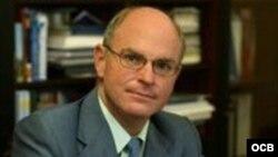1800 Online con Elias Amor Bravo, prestigioso economista cubano-español y autor del blog Cubaeconomía.