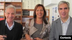 A la derecha, Gabriel Salvia, director del CADAL