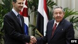 Bashar Al Assad y Raúl Castro el 28 de junio de 2010 en el Palacio de la Revolución de La Habana.