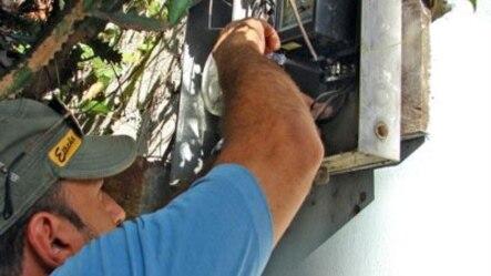 La manipulación del metro contador eléctrico es una forma de fraude extendida en Cuba.