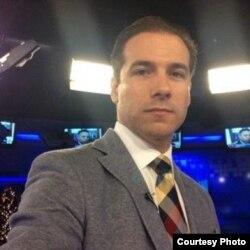 El presentador cubano Claudio Nasco