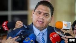 El rector principal del Consejo Nacional Electoral venezolano (CNE), Luis Emilio Rondón.