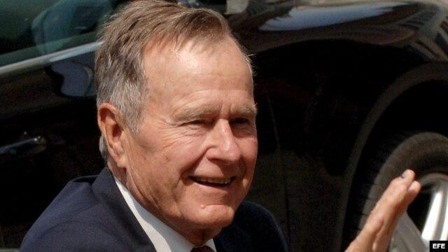 George Bush, padre, durante una visita a Alemania