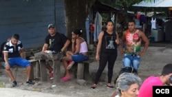 Cubanos varados en Costa Rica esperan una solución. Fotos: Claudio Castillo, Martí Noticias.