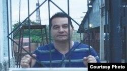 Ángel Santiesteban Prats, periodista cubano encarcelado en la prisión Asentamiento de Lawton.