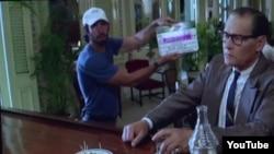 """Para la película """"Papa"""" sobre Hemingway en Cuba el bar del hotel Ambos Mundos fue reproducido en un local de la Universidad de La Habana"""