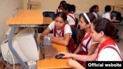 Niños cubanos en un Joven Club, estos lugares solo tienen acceso a la llamada intranet.
