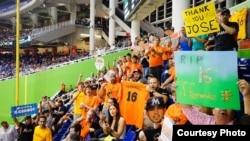 Admiradores de José Fernández en el estadio de los Marlins