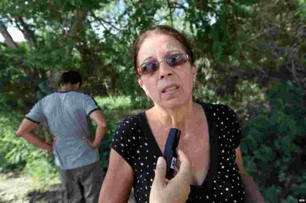 Familia de Payá visitó el sábado 6 de octubre el lugar donde se produjo el accidente en el que murieron Oswaldo Payá y Harold Cepero en las inmediaciones de Bayamo
