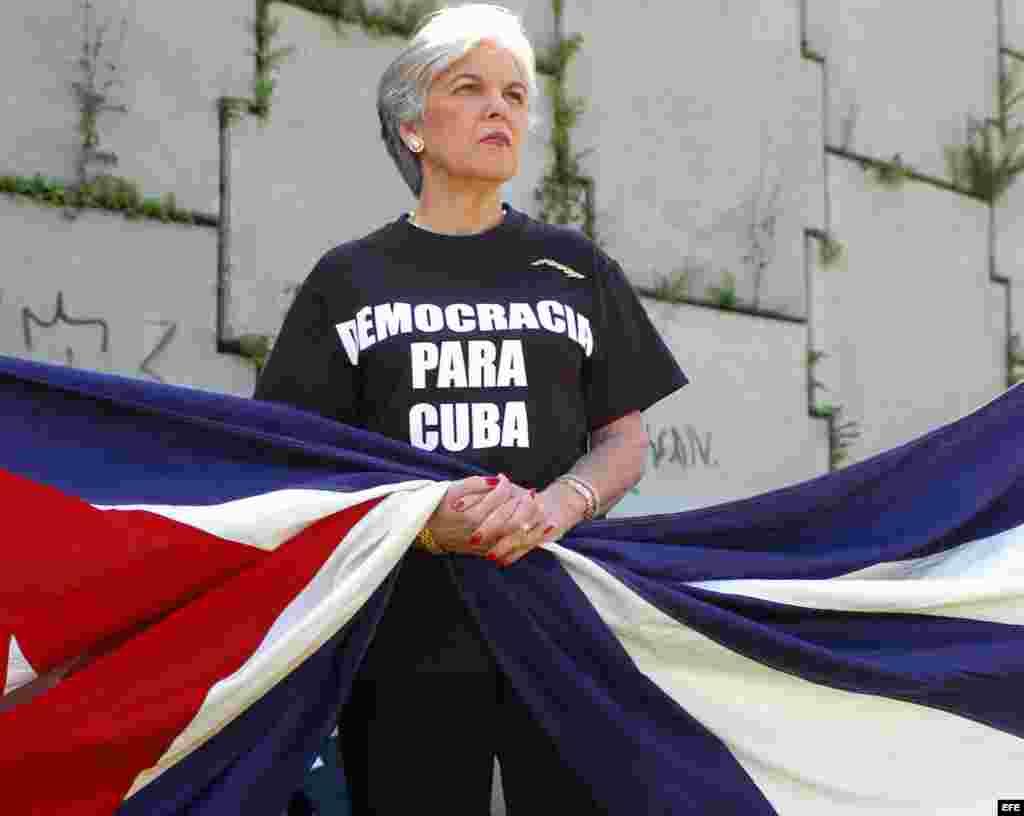 """Sylvia Iriondo, de M.A.R (Madres y Mujeres Anti-Represión) por Cuba, lo que los cubanos han visto en este año es """"más de lo mismo"""", y al mismo tiempo se ha hecho """"más que evidente que el régimen no tiene la menor intención de cambiar."""