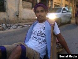 Luis Manuel Otero Alcántara, artista independiente que fue detenido cuando peregrinaba al Rincón de San Lázaro en La Habana el 14 de diciembre de 2017..