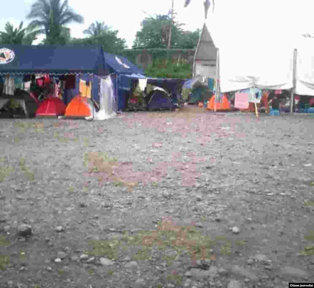 Cubanos en Panamá a la espera de una solución a su situación migratoria. Fotos de Yasmany Aguilera.