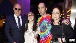 Emilio Estefan y su familia