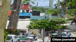 Asedio a sede de Damas de Blanco en Lawton, La habana Fotos de Angel Moya