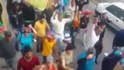 Cubanos protestan ante Embajada de Cuba en Quito