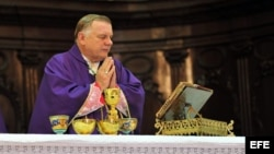 El arzobispo de Miami, Thomas Wenski, ofició una misa en la Catedral de La Habana, Cuba, el martes 27 de marzo de 2012.