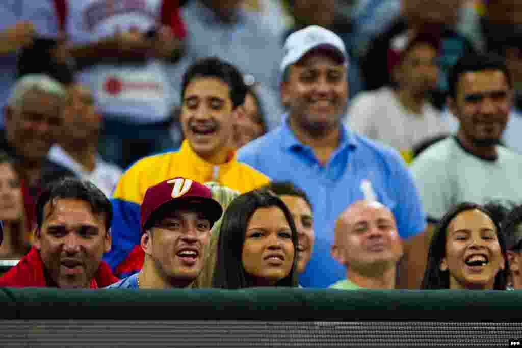 La hija del presidente fallecido de Venezuela Hugo Chávez, María Gabriela Chávez, en un partido de baloncesto. Ha sido novia del nieto de Salvador Allende, el médico Pablo Sepúlveda Allende y del actor de telenovelas Manuel Sosa.
