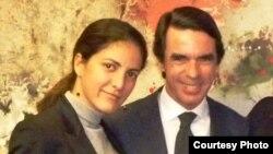 José María Aznar(segunda izq) recibe a Rosa María (I) y Carlos Payá (D) hija y hermano de Oswaldo Payá y a Regis Iglesias (segundo der) portavoz del MCL en la sede de la Fundación FAES