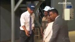 Obama apoya con su visita a la mayor fábrica de productos agrícolas de Etiopía