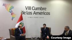 Rubio con el viceministro de Perú, Hugo de Zela Martínez, y el embajador de EE.UU, Krishna R. Urs