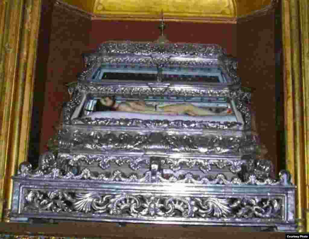 Imagen del Santo Sepulcro en el Convento La Merced en Camagüey.