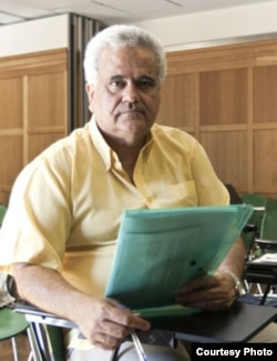 El dramaturgo cubano Amado del Pino.